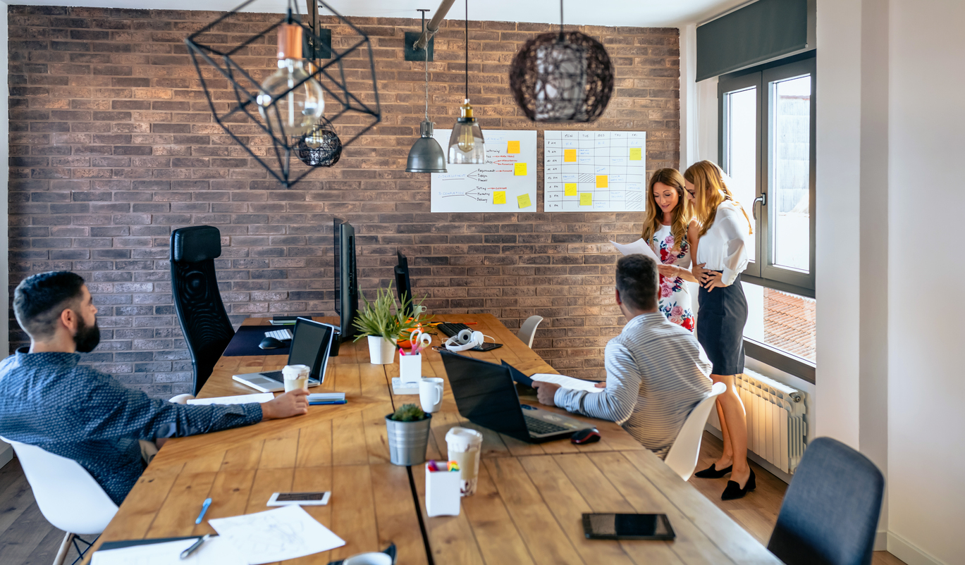 Standup Tools - The 6 Best Daily Standup Tools teams need for daily standup meetings and project management (1)